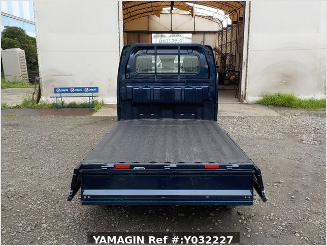 It is a picture of the navy blue suzuki carry truck in 2019,Sub Photo 4 Stock No.Y032227