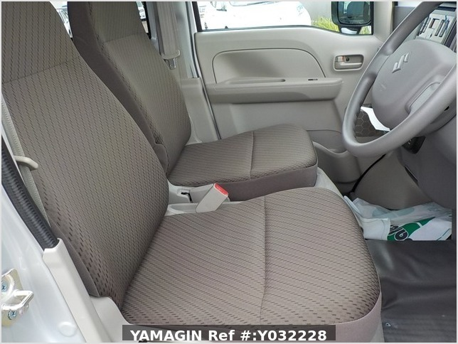 It is a picture of the silver suzuki every passenger van in 2019,Sub Photo 9 Stock No.Y032228