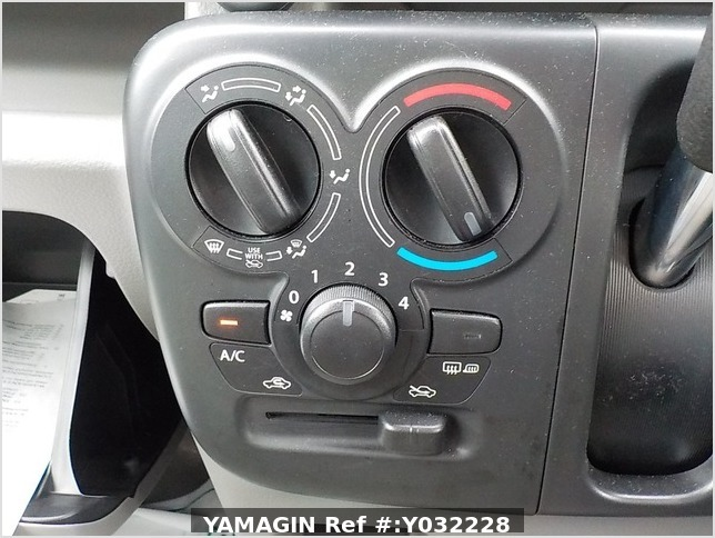 It is a picture of the silver suzuki every passenger van in 2019,Sub Photo 6 Stock No.Y032228