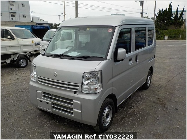 It is a picture of the silver suzuki every passenger van in 2019,Sub Photo 1 Stock No.Y032228