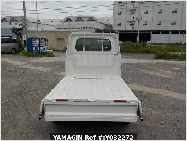 It is a picture of the white daihatsu hijet truck in 2020,Sub Photo 4 Stock No.Y032272