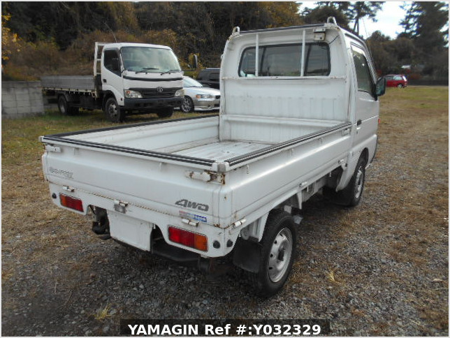 It is a picture of the white suzuki carry truck in 1996,Sub Photo 2 Stock No.Y032329