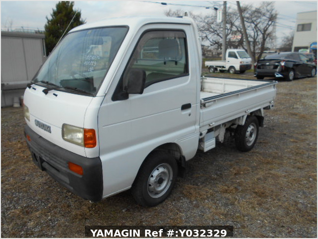 It is a picture of the white suzuki carry truck in 1996,Sub Photo 1 Stock No.Y032329