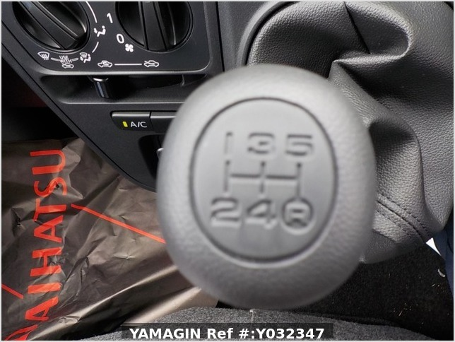 It is a picture of the light rose  daihatsu hijet deck van in 2020,Sub Photo 5 Stock No.Y032347