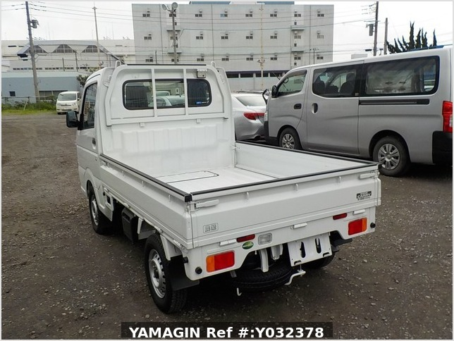 It is a picture of the white suzuki carry truck in 2019,Sub Photo 3 Stock No.Y032378