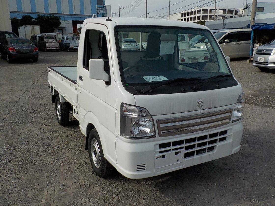 It is a picture of the white suzuki carry truck in 2020,First Photo Stock No.Y032436