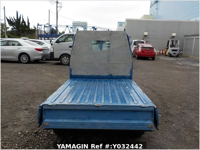 It is a picture of the blue daihatsu hijet dump in 2004,Sub Photo 5 Stock No.Y032442