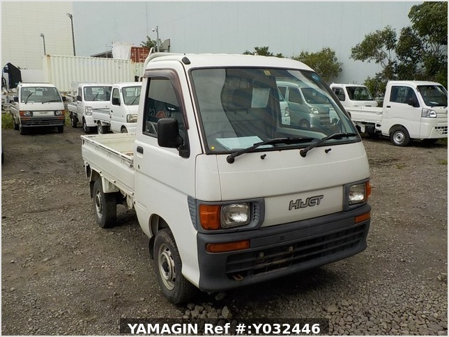 It is a picture of the white daihatsu hijet truck in 1998,Sub Photo 0 Stock No.Y032446
