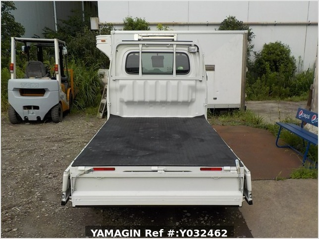 It is a picture of the white daihatsu hijet truck in 2018,Sub Photo 4 Stock No.Y032462