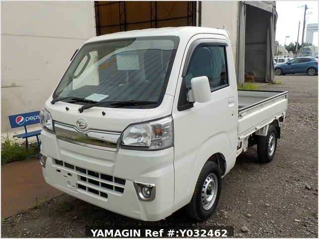 It is a picture of the white daihatsu hijet truck in 2018,Sub Photo 1 Stock No.Y032462