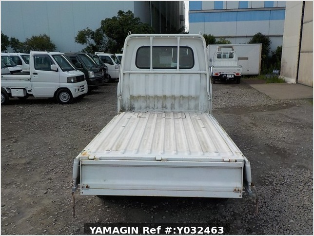 It is a picture of the white daihatsu hijet truck in 1998,Sub Photo 4 Stock No.Y032463