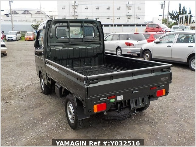 It is a picture of the green suzuki carry truck in 2019,Sub Photo 3 Stock No.Y032516