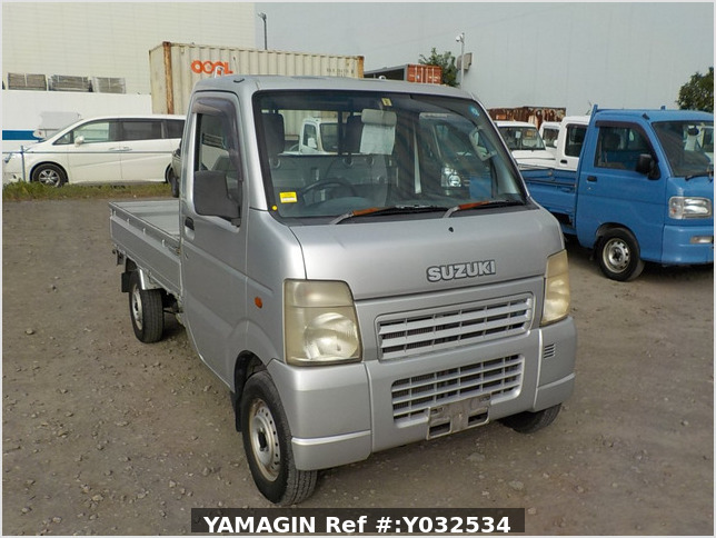 It is a picture of the silver suzuki carry truck in 2004,Sub Photo 0 Stock No.Y032534