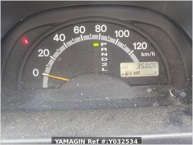 It is a picture of the silver suzuki carry truck in 2004,Sub Photo 8 Stock No.Y032534