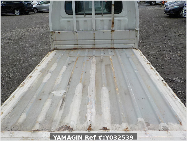 It is a picture of the white daihatsu hijet scissors dump in 1996,Sub Photo 8 Stock No.Y032539
