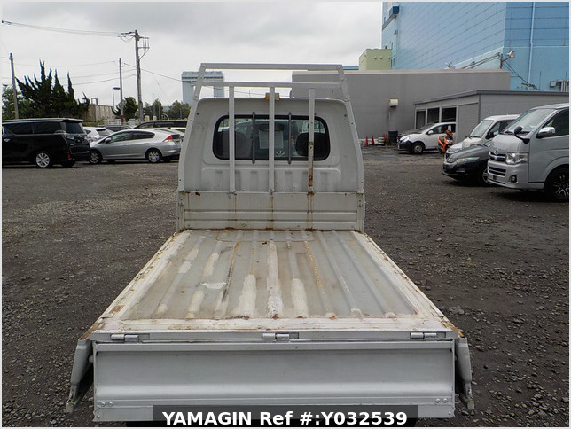 It is a picture of the white daihatsu hijet scissors dump in 1996,Sub Photo 7 Stock No.Y032539