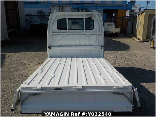 It is a picture of the white suzuki carry  truck in 2010,Sub Photo 4 Stock No.Y032540