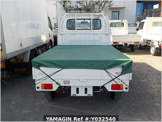 It is a picture of the white suzuki carry  truck in 2010,Sub Photo 5 Stock No.Y032540