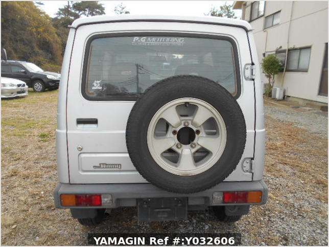 It is a picture of the silver suzuki jimny in 1996,Sub Photo 4 Stock No.Y032606