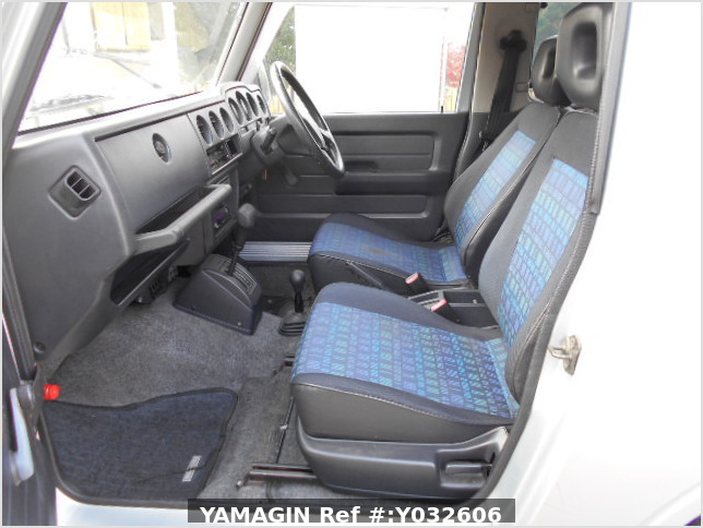 It is a picture of the silver suzuki jimny in 1996,Sub Photo 9 Stock No.Y032606