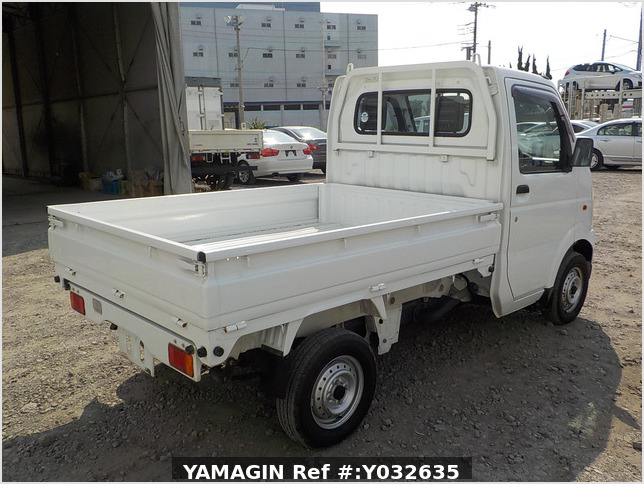 It is a picture of the white suzuki carry dump in 2006,Sub Photo 3 Stock No.Y032635