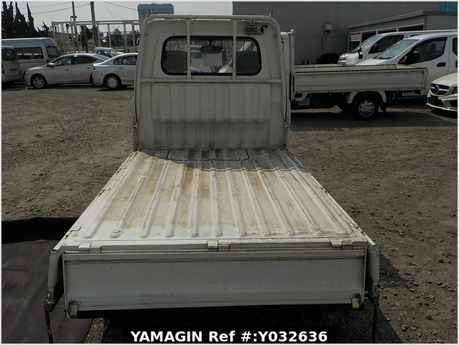 It is a picture of the white daihatsu hijet truck in 1994,Sub Photo 5 Stock No.Y032636