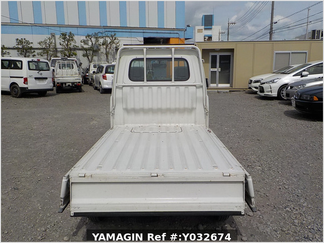It is a picture of the white daihatsu hijet  truck in 1996,Sub Photo 4 Stock No.Y032674