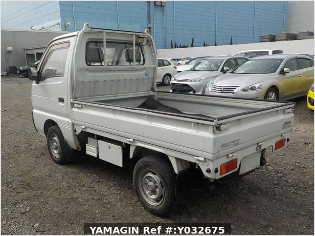 It is a picture of the white suzuki carry truck in 1992,Sub Photo 8 Stock No.Y032675