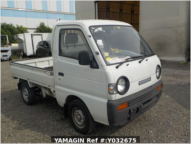 It is a picture of the white suzuki carry truck in 1992,Sub Photo 22 Stock No.Y032675
