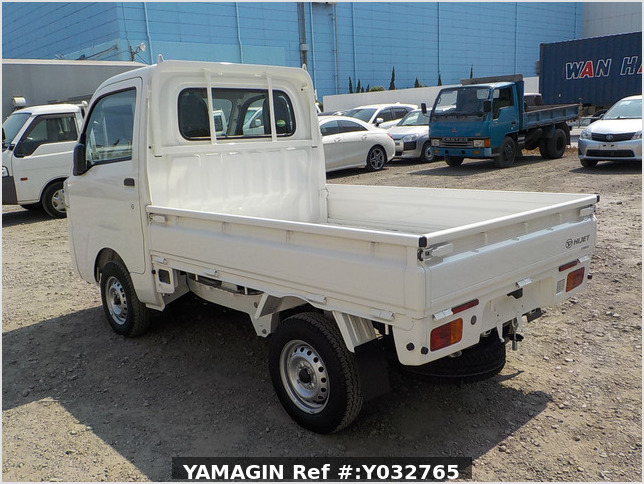 It is a picture of the white daihatsu hijet truck in 2019,Sub Photo 3 Stock No.Y032765