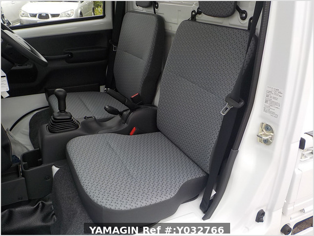 It is a picture of the white suzuki carry truck in 2020,Sub Photo 9 Stock No.Y032766