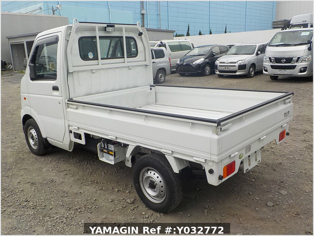 It is a picture of the white suzuki carry truck in 2010,Sub Photo 2 Stock No.Y032772