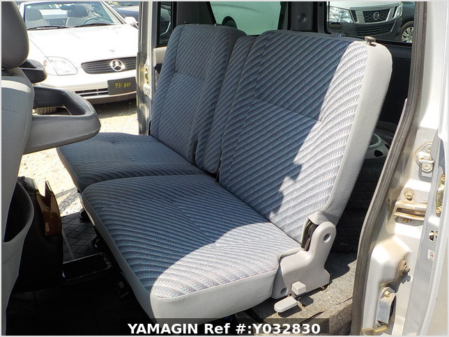 It is a picture of the silver daihatsu hijet passenger van in 2003,Sub Photo 7 Stock No.Y032830