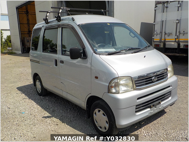 It is a picture of the silver daihatsu hijet passenger van in 2003,Sub Photo 0 Stock No.Y032830