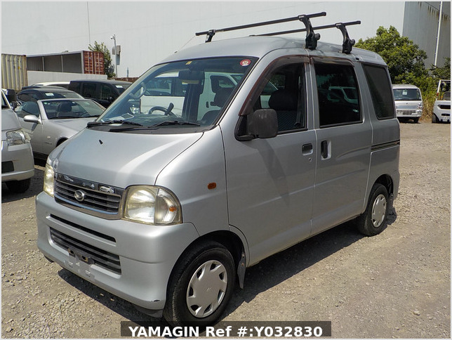 It is a picture of the silver daihatsu hijet passenger van in 2003,Sub Photo 1 Stock No.Y032830