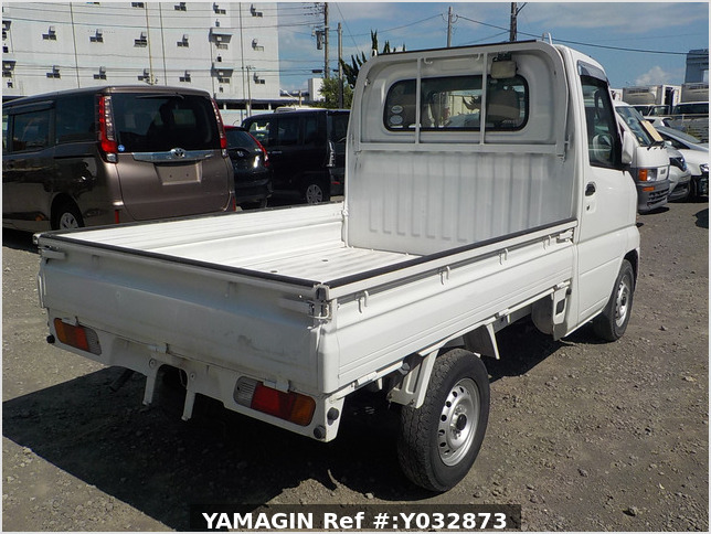 It is a picture of the white mitsubishi minicab truck in 2005,Sub Photo 2 Stock No.Y032873