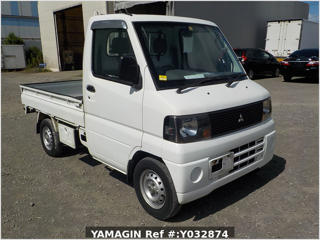 It is a picture of the white mitsubishi minicab truck in 2007,Sub Photo 0 Stock No.Y032874