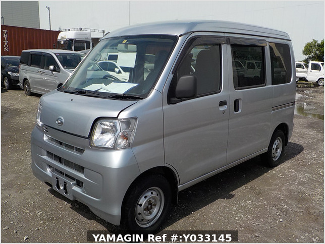 It is a picture of the silver daihatsu hijet passenger van in 2016,Sub Photo 1 Stock No.Y033145