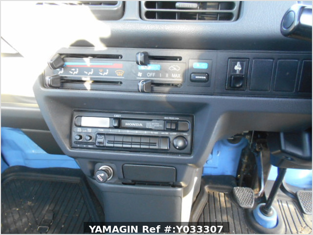 It is a picture of the blue honda acty truck in 1996,Sub Photo 9 Stock No.Y033307
