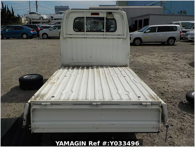 It is a picture of the white mitsubishi minicab truck in 2011,Sub Photo 4 Stock No.Y033496