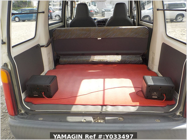 It is a picture of the white daihatsu hijet passenger van in 1995,Sub Photo 8 Stock No.Y033497