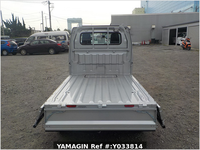 It is a picture of the silver suzuki carry truck in 2020,Sub Photo 4 Stock No.Y033814