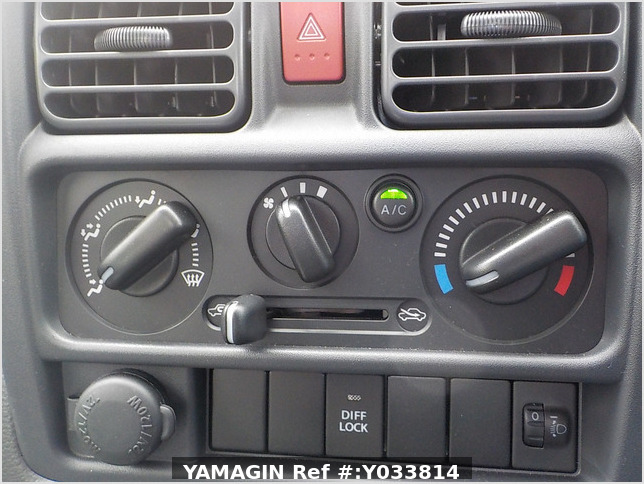 It is a picture of the silver suzuki carry truck in 2020,Sub Photo 9 Stock No.Y033814