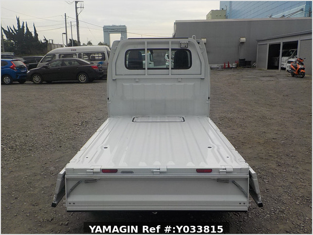 It is a picture of the white suzuki carry truck in 2020,Sub Photo 4 Stock No.Y033815