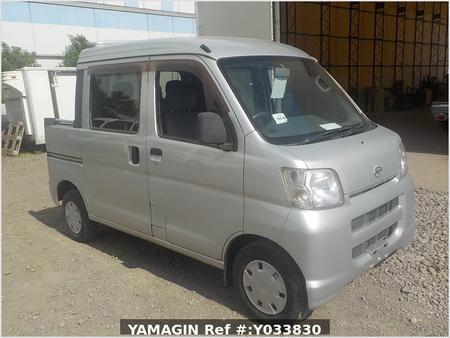 It is a picture of the silver daihatsu hijet deck van in 2007,Sub Photo 0 Stock No.Y033830