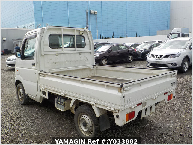 It is a picture of the white suzuki carry truck in 2012,Sub Photo 3 Stock No.Y033882