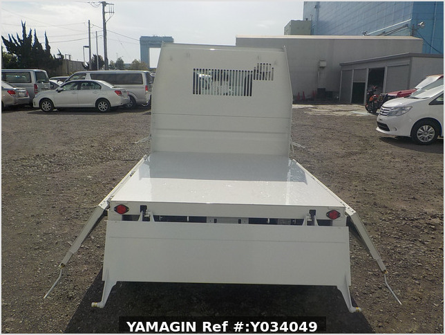 It is a picture of the white daihatsu hijet dump in 2020,Sub Photo 5 Stock No.Y034049