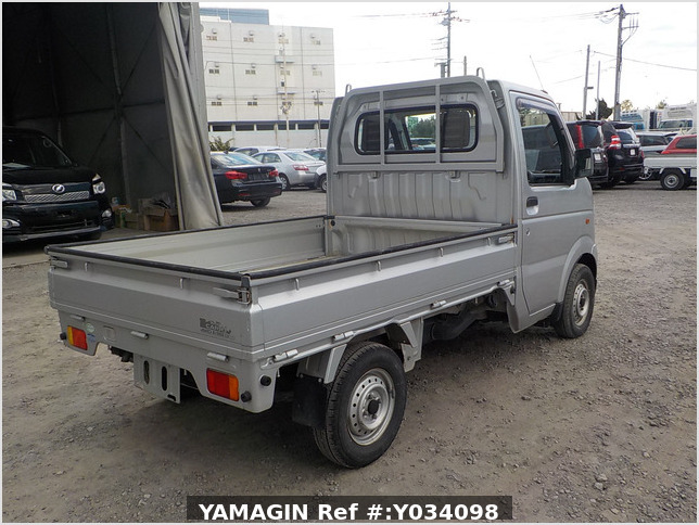 It is a picture of the silver suzuki carry truck in 2004,Sub Photo 2 Stock No.Y034098