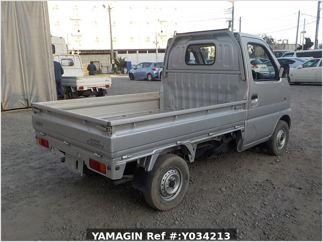 It is a picture of the silver suzuki carry truck in 2002,Sub Photo 2 Stock No.Y034213