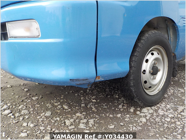 It is a picture of the blue daihatsu hijet truck in 2004,Sub Photo 13 Stock No.Y034430